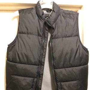 Old Navy boy's puffer vest